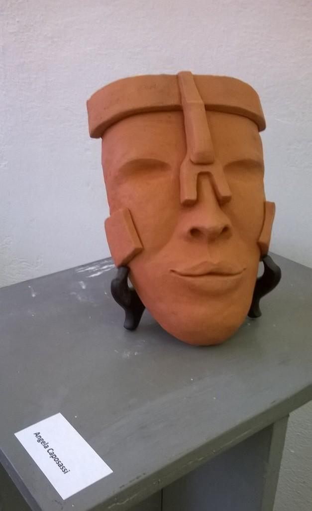 Angela Caposassi maschera a basso rilievo